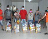 Entrega de Cestas Básicas para famílias afetadas pelas Enchentes